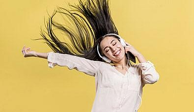 İngilizce Dinleme Becerisini Geliştiren 6 İngilizce Şarkı