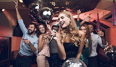 Karaoke Yaparak İngilizcenizi Geliştirin