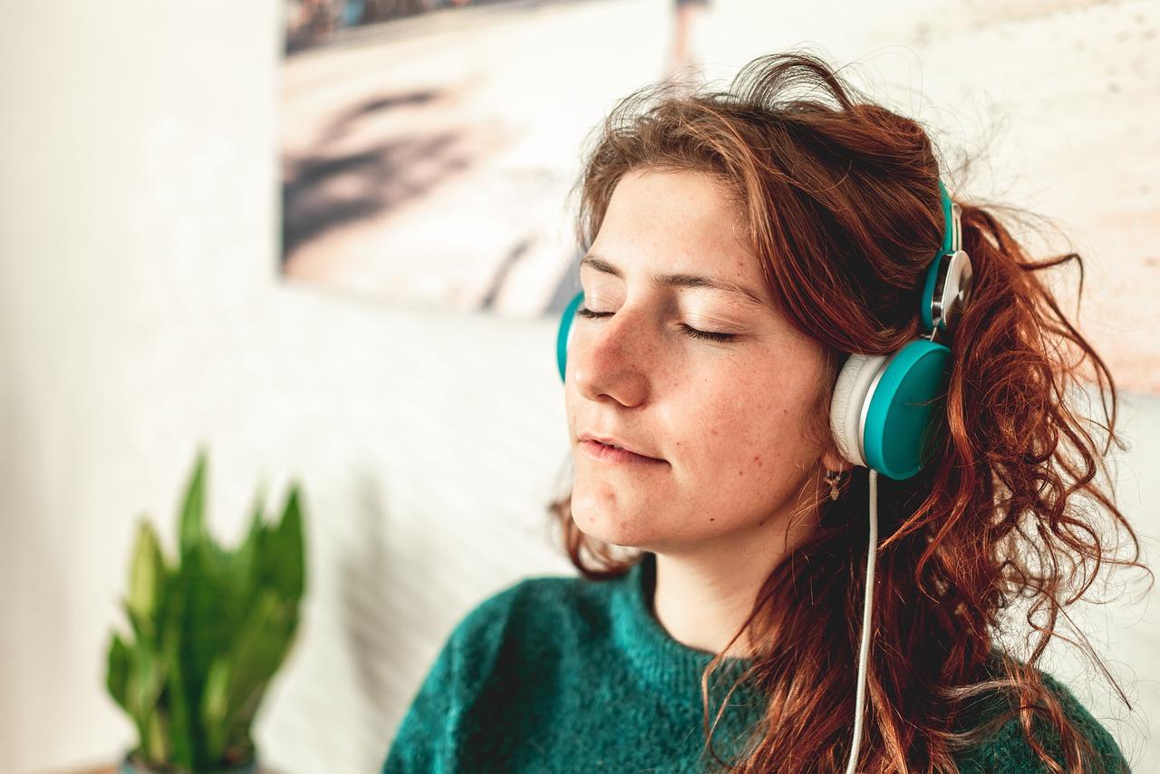 Listening / Dinleme
