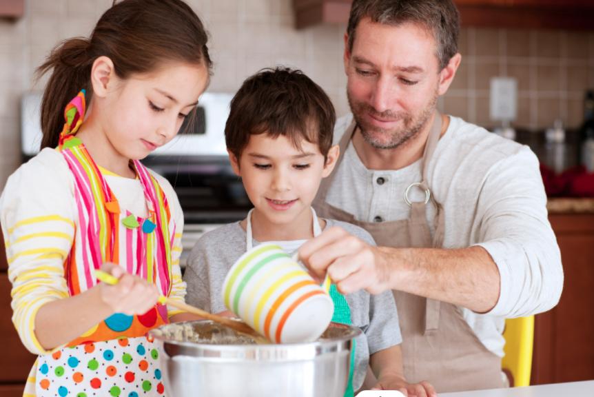 father kids baking