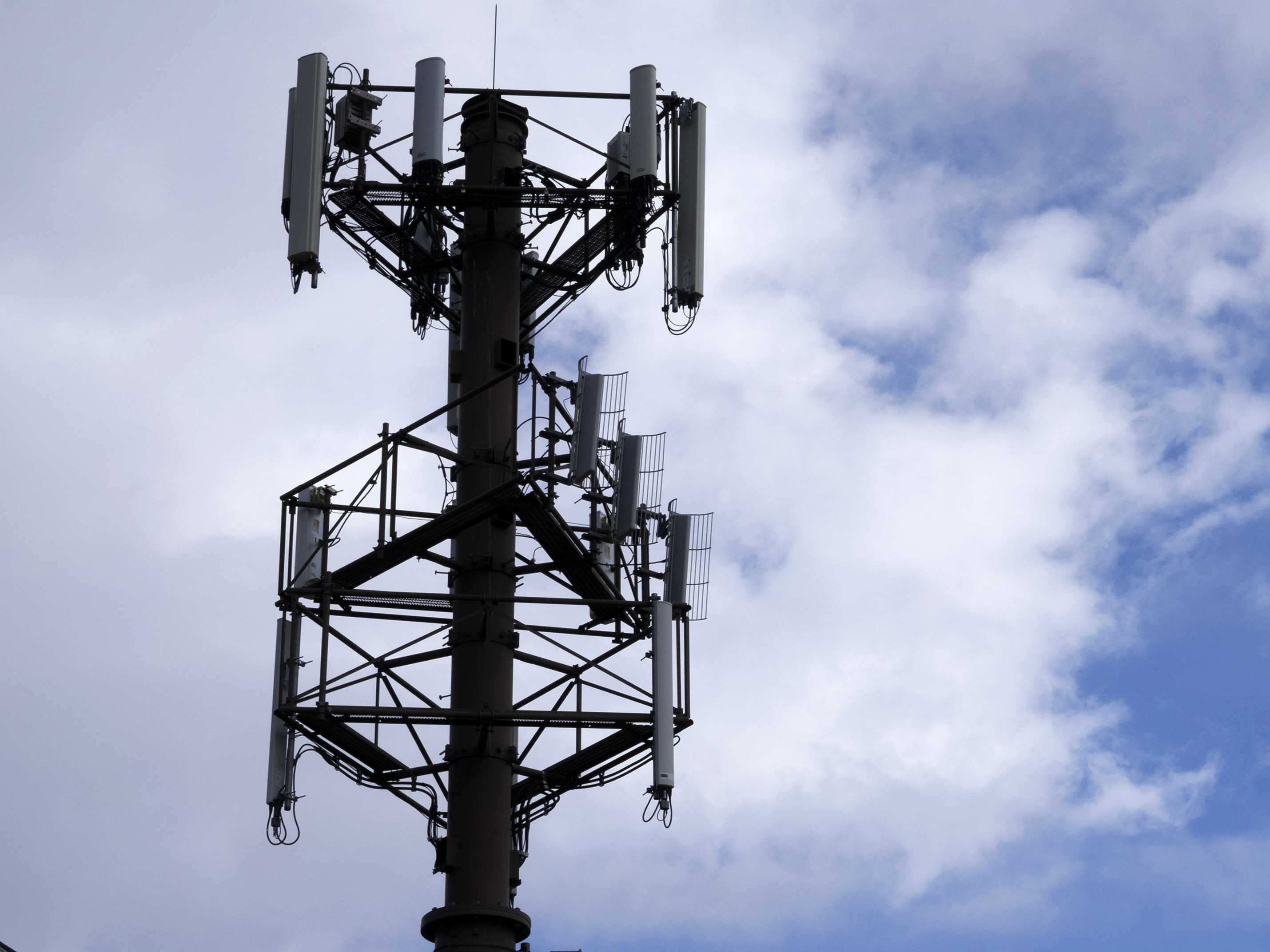 mysterious-fake-cellphone-towers-are-intercepting-calls-all-over-the-us